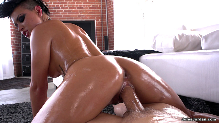 Eva angelina oil