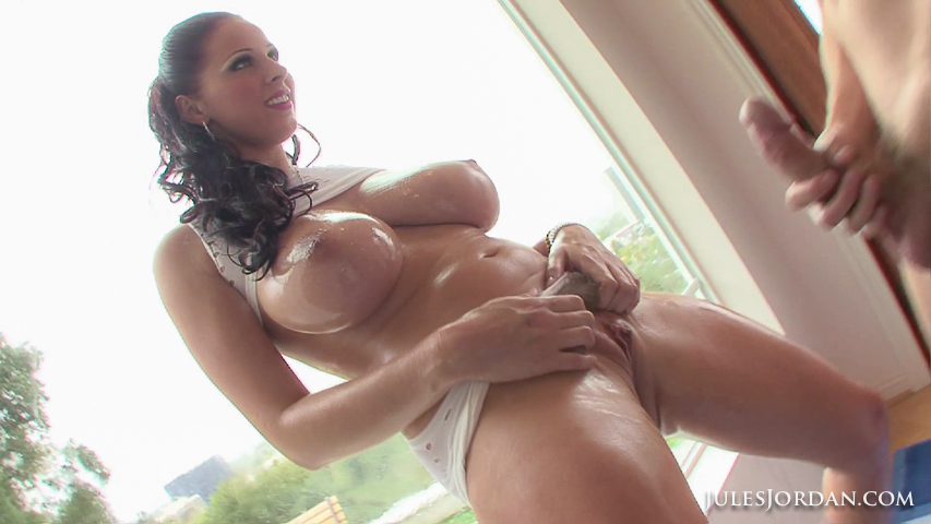 Gianna michaels naked lesbo does