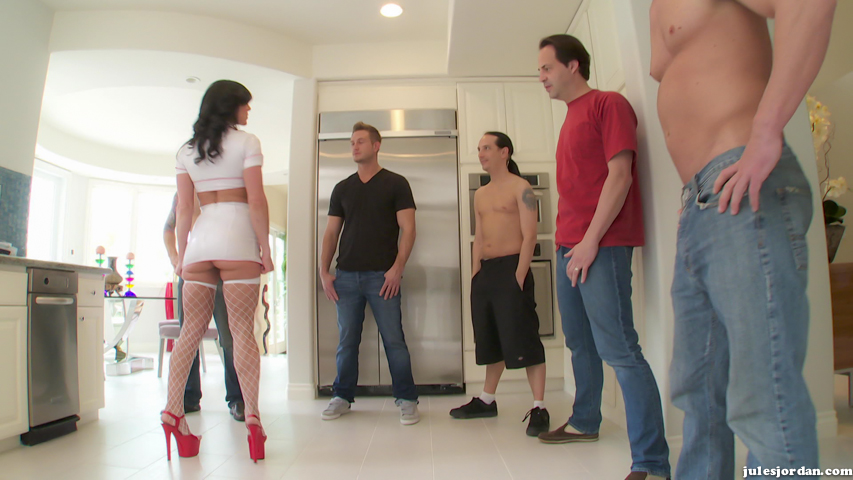 Feeding frenzy kendra lust